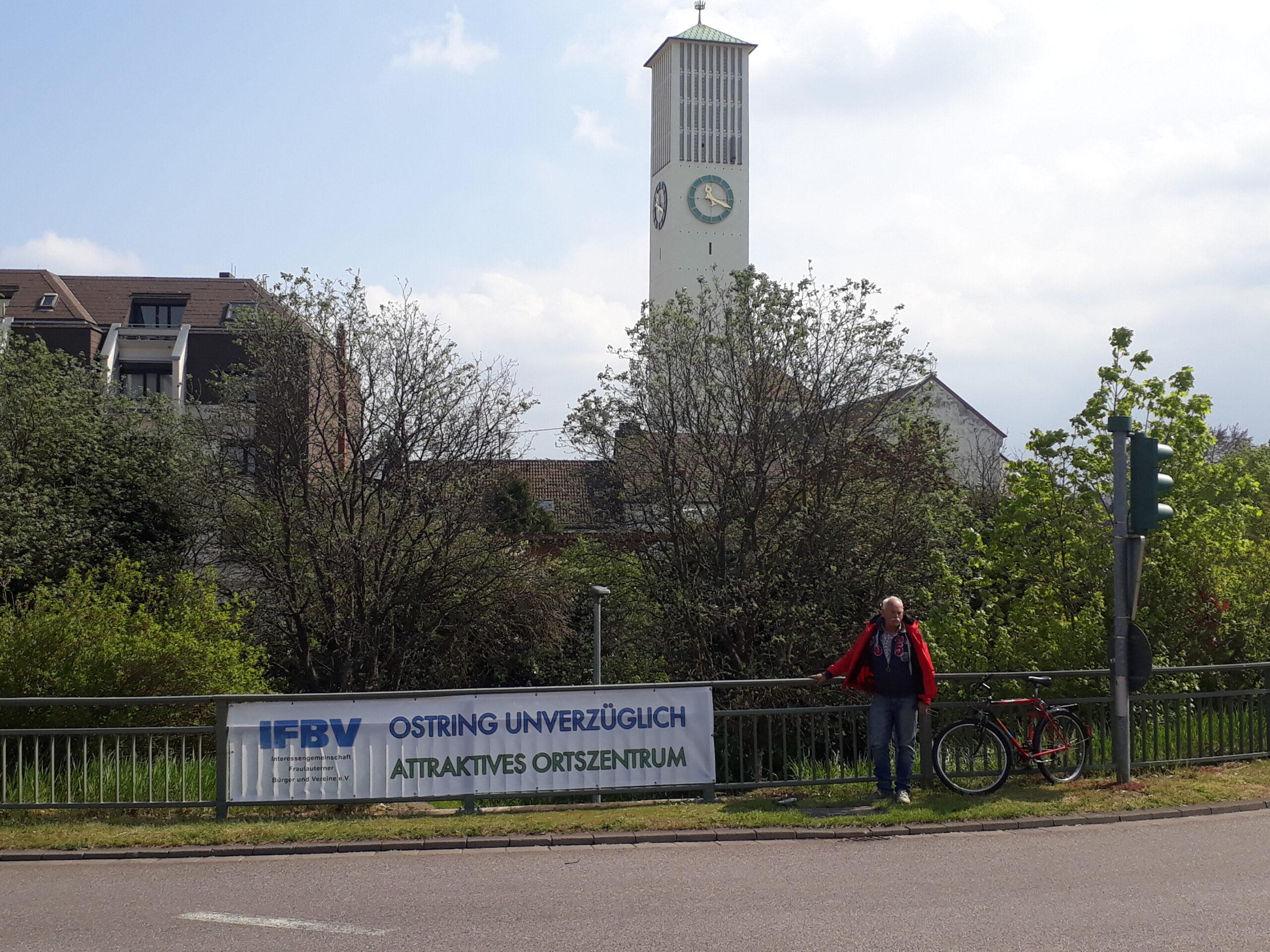 Manfred Wey, IFBV nach Anbringen des Banners